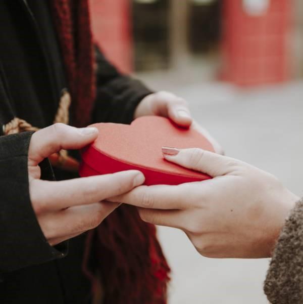 هدیه رمانتیک ارزان برای خانم ها