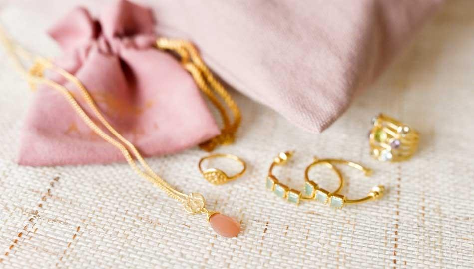 کادو تولد زنانه طلا بدهیم؟