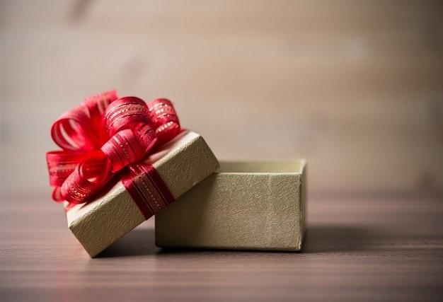 هدیه به مناسبت شب یلدا چه چیزی باید بخریم که ارزان باشد؟