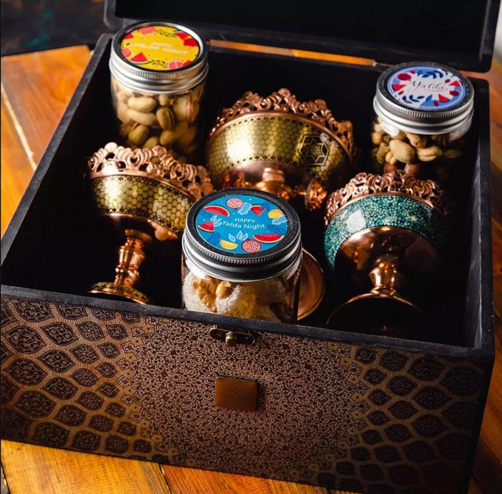 جعبه کادو ولنتاین برای دوست دختر را چگونه باید تزیین کنیم؟