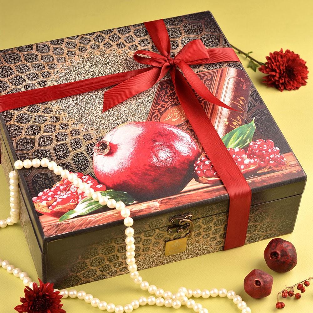 بسته بندی کادو شب یلدا برای مادربزرگ